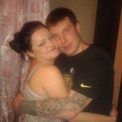 Пара познакомится с девушкой би для совместного времяпровождения в Курске
