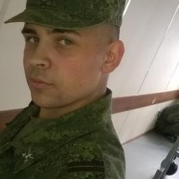 Симпатичный парень из Москвы. Ищу толстушку)
