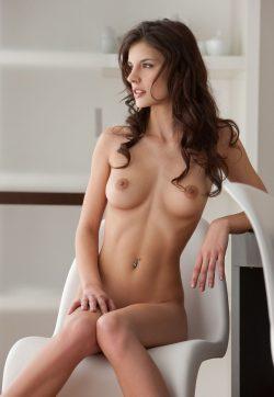 Курск, обаятельная и роскошная девушка ищу мужчину доя секса на своей террритории